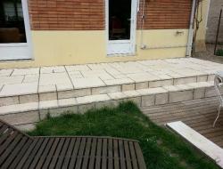 Terrasse en pierre reconstituée